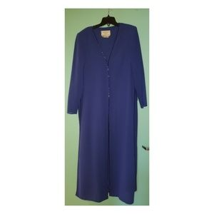 Size 18 blue duster lightly beaded edging